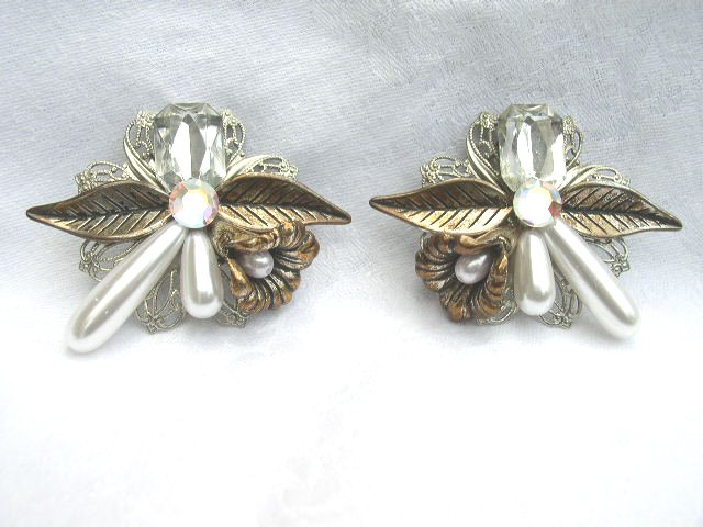 Vintage Plastic & Lucite Orchid Earrings