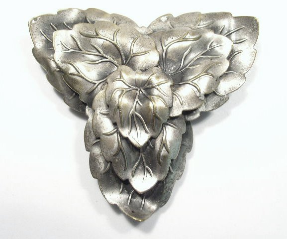 Vintage Large Silver Tone Leaf Design Dress Clip