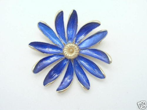 Vintage Enameled Blue Daisy Flower Brooch 1960s