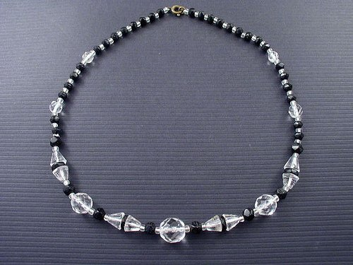 Vint Art Deco Classic Elegant Black & Crystal Necklace