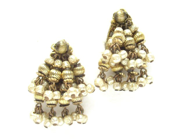 Vintage Gold Tone Faux Baroque Pearl Earrings Robert