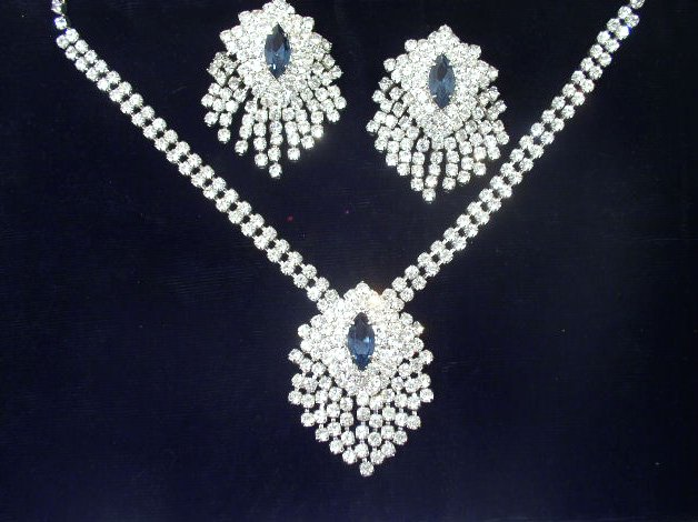 Vintage Brilliant Clear & Blue Rhinestone Necklace Earring Set