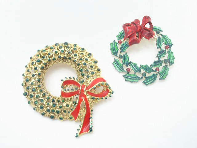VIntage Lot Enameled & Rhinestone Christmas Wreath Brooch