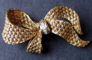 Vintage Ribbon Bow Brooch Pin - Woven Design With Rhinestone Accent - MidCentury Costume Jewelry