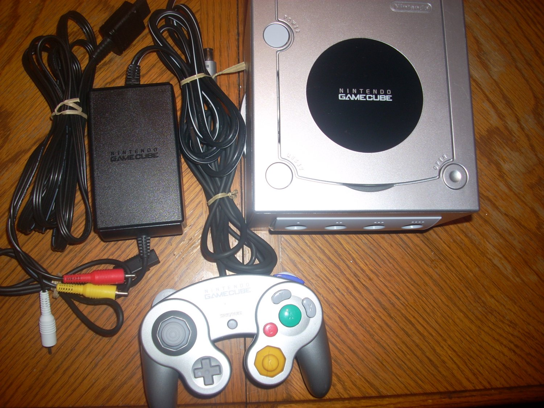 Nintendo Gamecube: System *Refurbished*