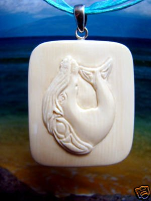 HUMPBACK WHALE INUIT / ESKIMO NATIVE  ALASKA  FOSSIL IVORY PENDANT / CARVING   FREE SATIN RIBBON