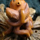 OCTOPUS & FISH MINIATURE CARVING FIGURE HAWAII KOA  WOOD  ONXY GEM EYE  FREE GIFT SILK BAG