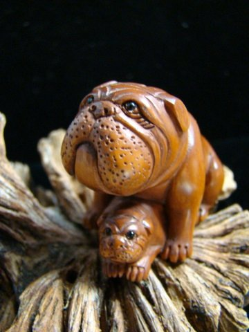 "BULL DOG & PUPPY CARVED PEACHTREE WOOD MINIATURE 2 5/8""  FREE GIFT SILK BAG"