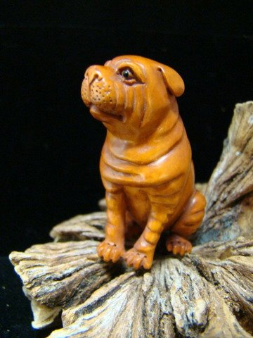 SHAR PEI DOG HAND CARVED WOOD ONYX GEM EYES MINIATURE  ORNAMENT  FREE GIFT SILK BAG