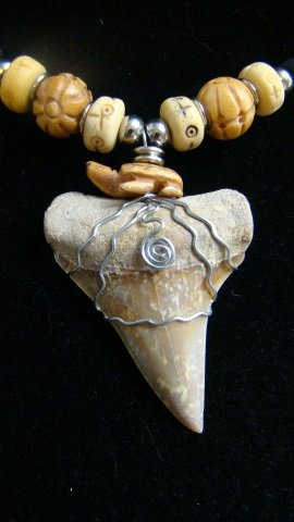 FOSSIL MAKO SHARK TOOTH CARVED BONE TURTLE BEAD HARLEY WIRE NECKLACE   LIGHTNING BOLTS!!