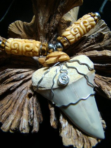 FOSSIL MAKO SHARK TOOTH CARVED TURTLE & BONE BEADS HARLEY STAINLESS STEEL WIRE NECKLACE
