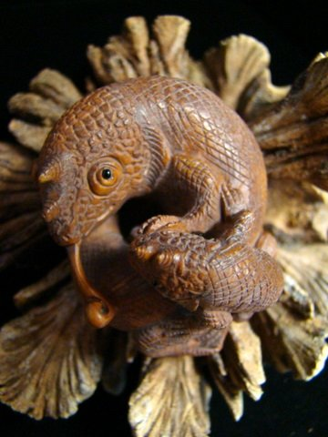 Jackson Chameleon And Baby Carved Hawaii Milo Wood