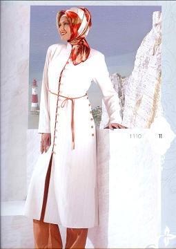 Turkish white pants suit