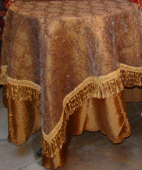 Table covers 4