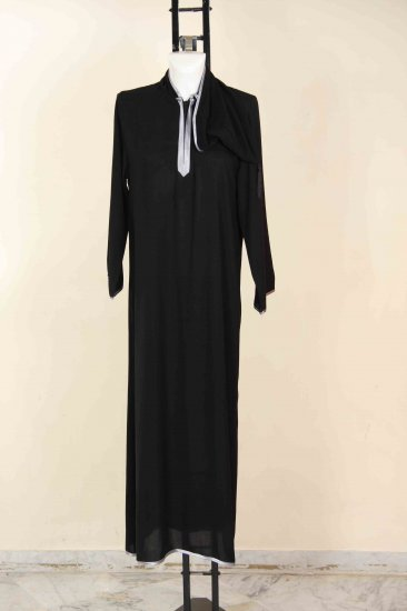 Simple abaya with hood.