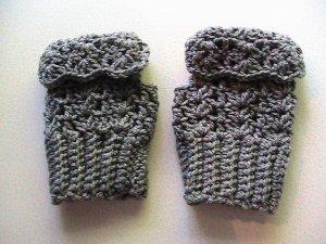 Crochet Fingerless Mitts Grey