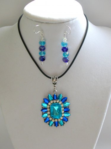 Aqua Blue acrylic rhinestone pendant and earrings set