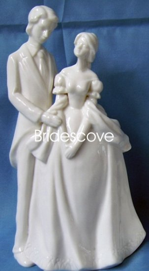 Porcelain Wedding Bride and Groom Cake Topper - Wedding Decoration / Gift - (HS90312)