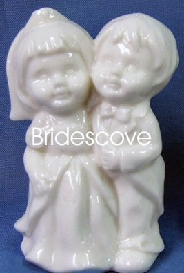 Porcelain Wedding Bride and Groom Cake Topper - Wedding Decoration / Gift - (HS90327A)