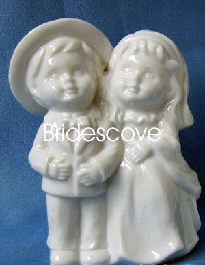 Porcelain Wedding Bride and Groom Cake Topper - Wedding Decoration / Gift - (HS90315)