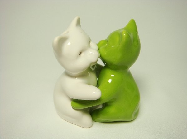 Ceramic Salt & Pepper Shakers Green & White Cat Hug