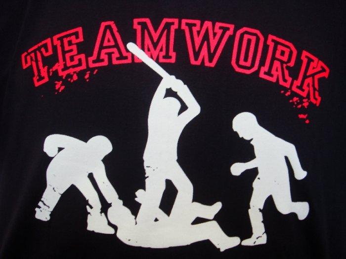 Mens Womens Teamwork Urban Fight Art T-Shirt Black L