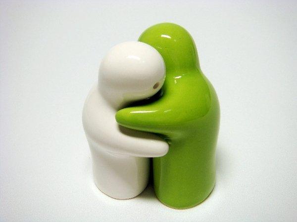 Ceramic Salt & Pepper Shakers Green & White Couple Hug