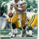 2001 01 Fleer Focus Brett Favre card #126 Green Bay Packers