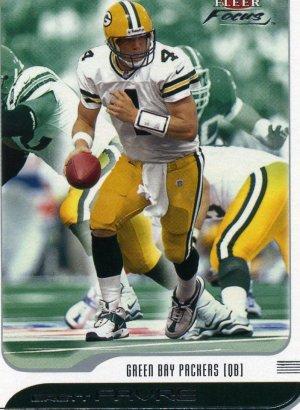 2001 01 Fleer Focus Brett Favre card #126 Green Bay Packers