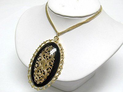 Metal filigree oval pendant (C1245BK-22533)