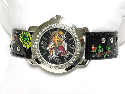 Tattoo inspired leather watch.(U15105BK-61206)