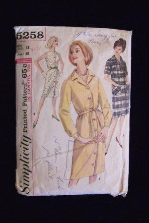 Vintage 60�s Simplicity  5258 Loose Fit Button Front Dress Pattern Size 18
