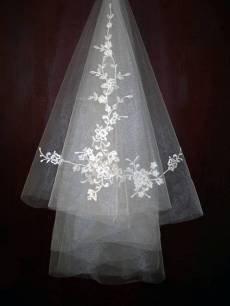 New White Wedding Bridal veil shoulder style Embroidered