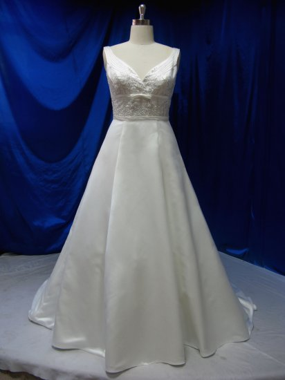 Sexy bridal Gown/dress Evening dress costom make embroidery with crystal beading