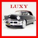 Maisto 1:18 Chrylser 300B 1956 Classican American Sedan Black Diecast Car Model Luxy