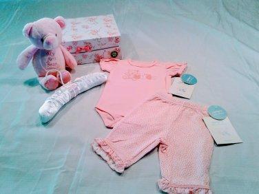 Carter's Newborn I Love Hugs Bear Clothing Gift Box Set