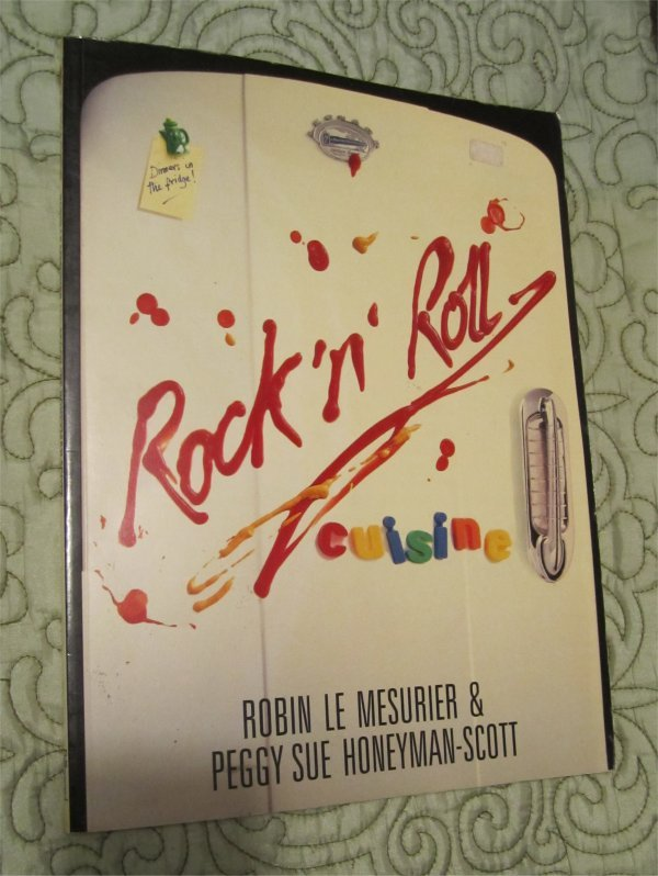 Rock 'n' Roll Cuisine Cookbook 1988 (Rock,Metal Bands- recipes)DIO,OZZY,Kiss,Maiden,Twisted Sister