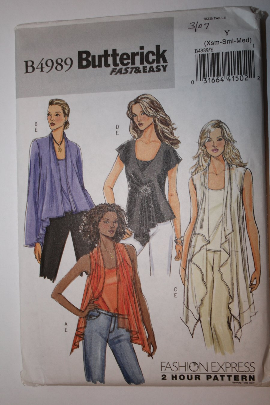 Butterick B4989 Sewing pattern Fast & Easy 2 Hour Tops and Camisole Xsm-Sml-Medium