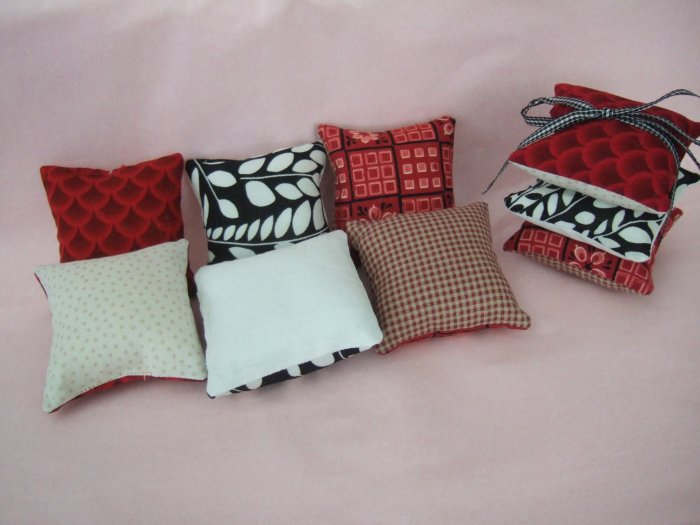 Handmade Pincushion set