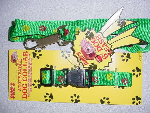 Green Paw Print Collar & Lead Set