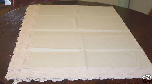 "Vintage 50""X 68"" Beige Lace Tablecloth For The Holidays"