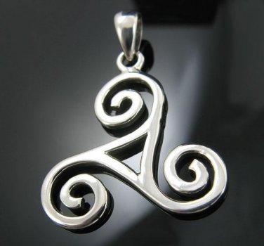 .925 Sterling Silver Celtic Triskele Design Pendant NEW