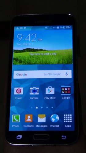 Samsung Galaxy S5 16GB - Charcoal Black Unlocked Smartphone