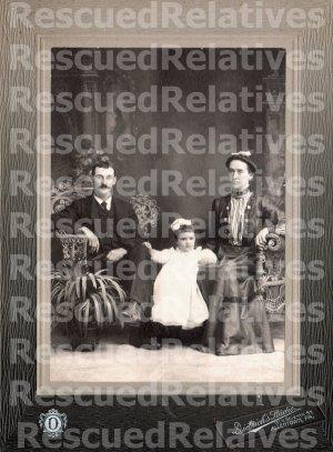 MINNICH, ROBERT, & FAMILY, Identified photograph, ALLENTOWN, PA.