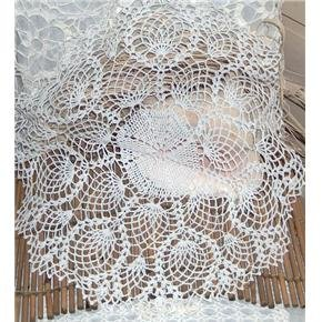 22 inch oval doily -hand crocheted pineapple pattern vintage