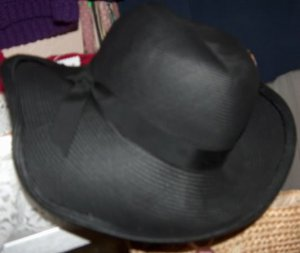 Adolfo II - New York and Paris vintage hat
