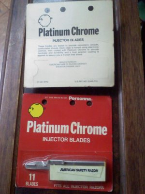 2 packs of vintage injector razor blades - 11 per pack by the maker of Personna