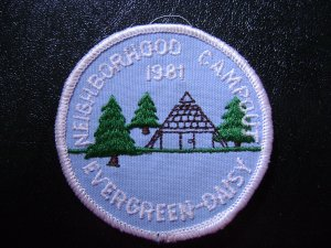 Girl Scout Patch - Neighborhood Campout -Evergreen Daisy 1981