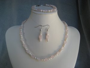 Rose Quartz Gemstone White Freshwater Pearls Necklace Bracelet Ear Ring Set