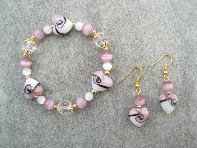 Lavender White Hearts Cats Eye Bead Bracelet Ear Ring Set